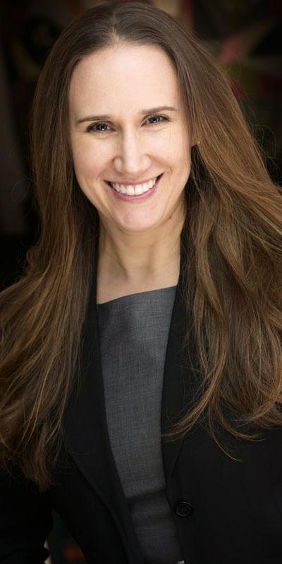 Erin Treadway headshot