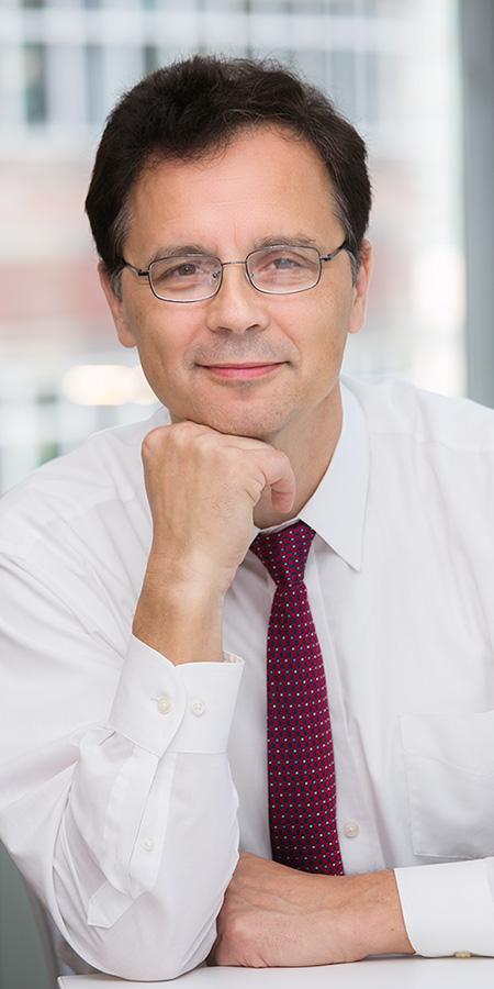 Jacek Ossowski headshot